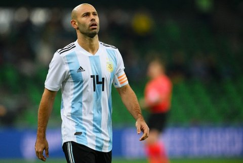 BREAKING: #Mascherano to miss the next 4 weeks of action due to injury check out at:  https:// goo.gl/pPZ6T7  &nbsp;  <br>http://pic.twitter.com/j7d2jTU8kC