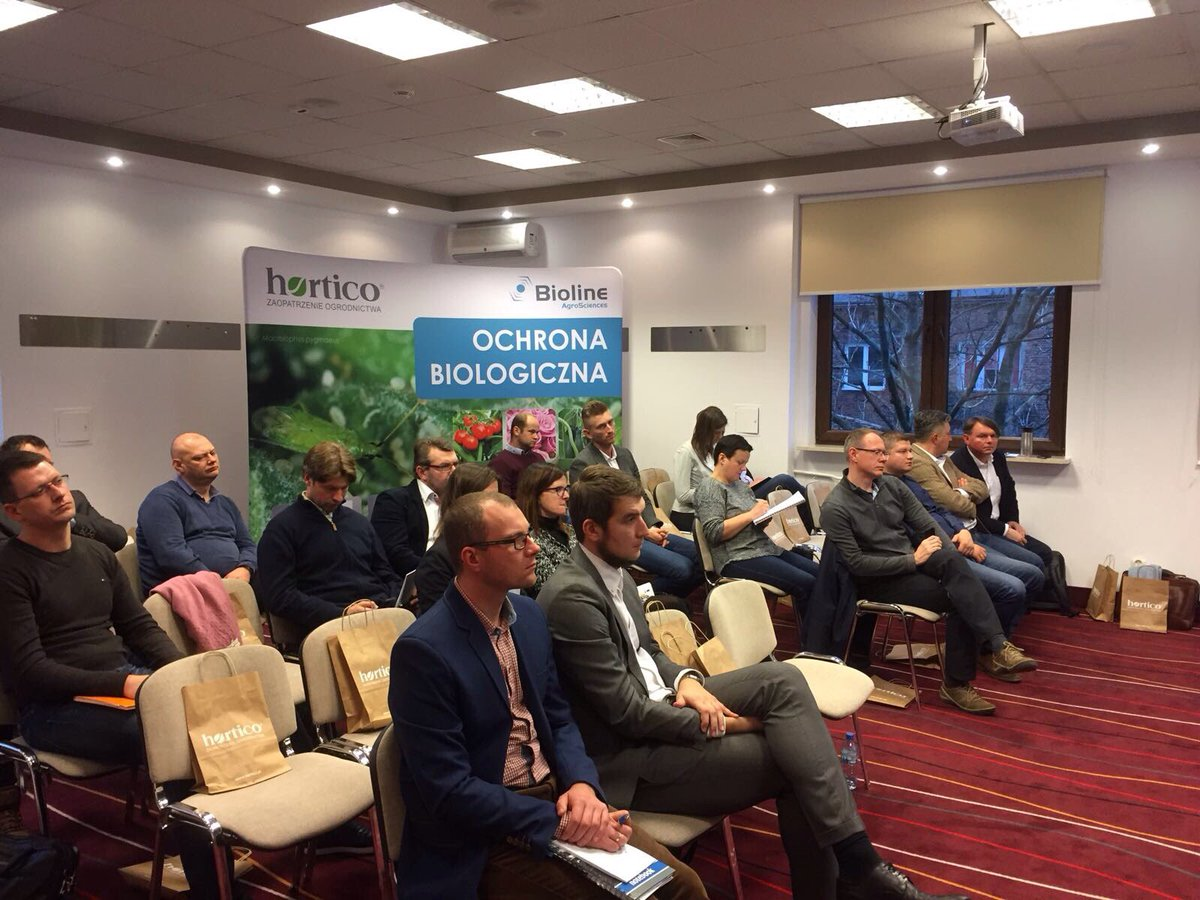 Today @Bioline_Ag met 25 #ornamental acquaintances to discuss #IPM in Warszawa in Poland. #Growers are very happy to get advice!<br>http://pic.twitter.com/zhnkQr0LOB