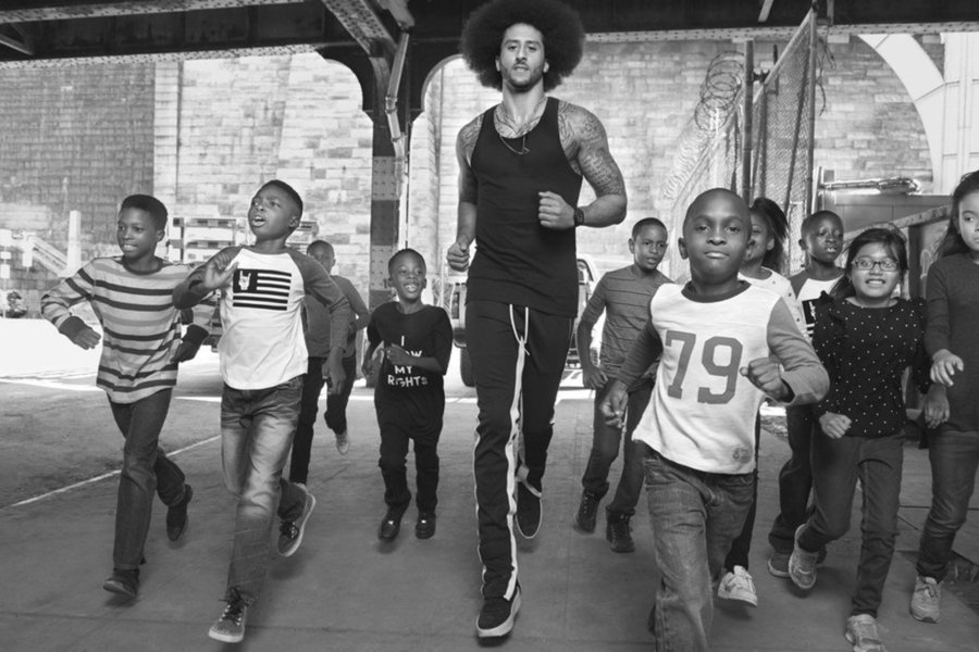 Colin Kaepernick requested to only wear Black designers for his GQ cover shoot: https://t.co/VyOPjfoxak