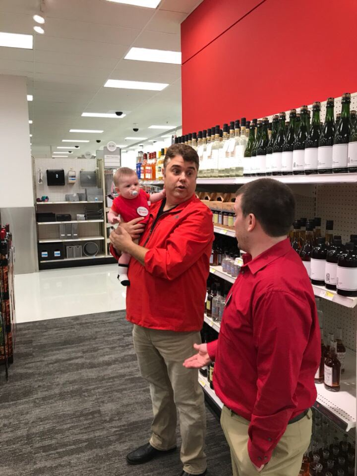 Last minute SVP visit and your home alone with the boy....No problem, we know what to do. #Will'sfirstgreenvisit #Walkiecallout @justinadamburns @ContrucciJoe @tonypena<br>http://pic.twitter.com/hwGKuEp16u