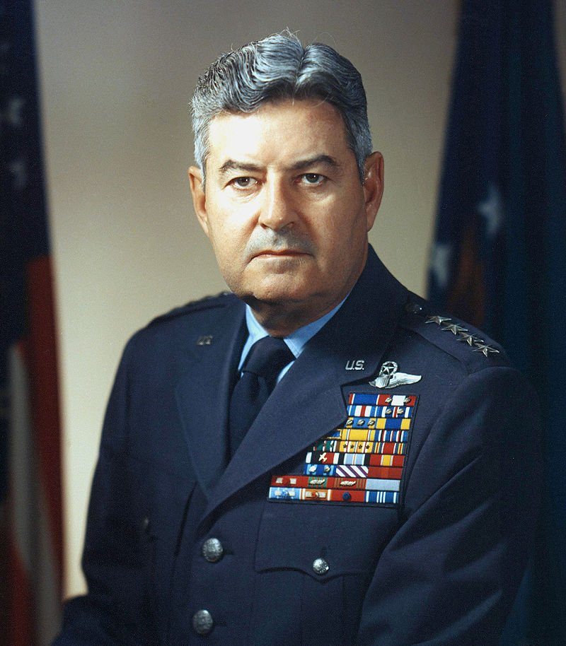 OTD in 1909, &quot;The Father of SAC &quot; (Strategic Air Command), General Curtis E. Lemay, is born. &quot;Flying fighters is fun, flying bombers is important&quot; #USAF #SAC <br>http://pic.twitter.com/yjtj7EGsFR