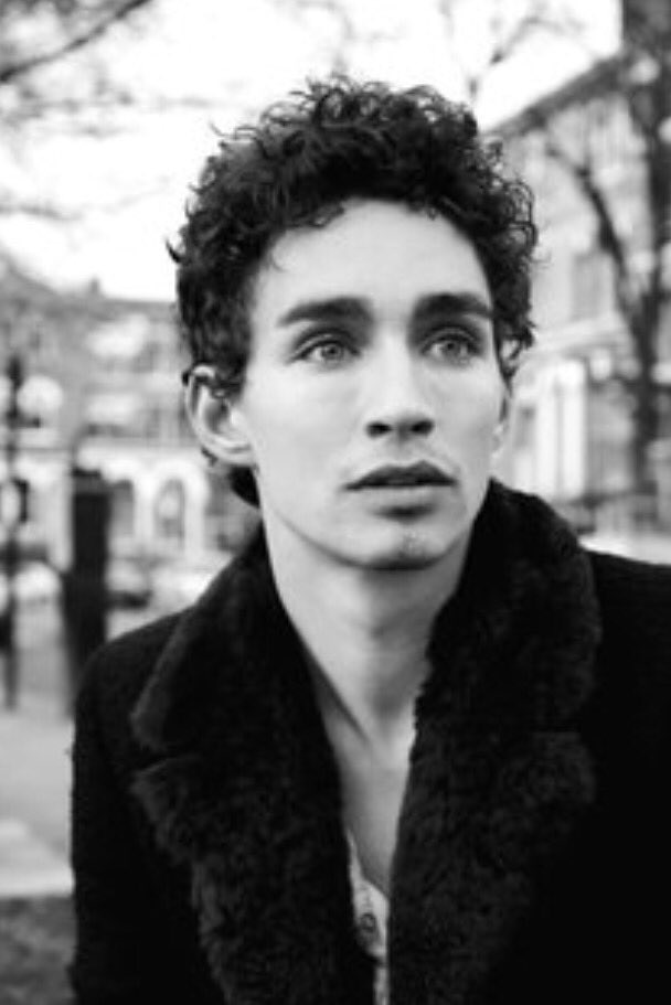 "The Sheehab on Twitter: ""Robert Sheehan will play the ..."