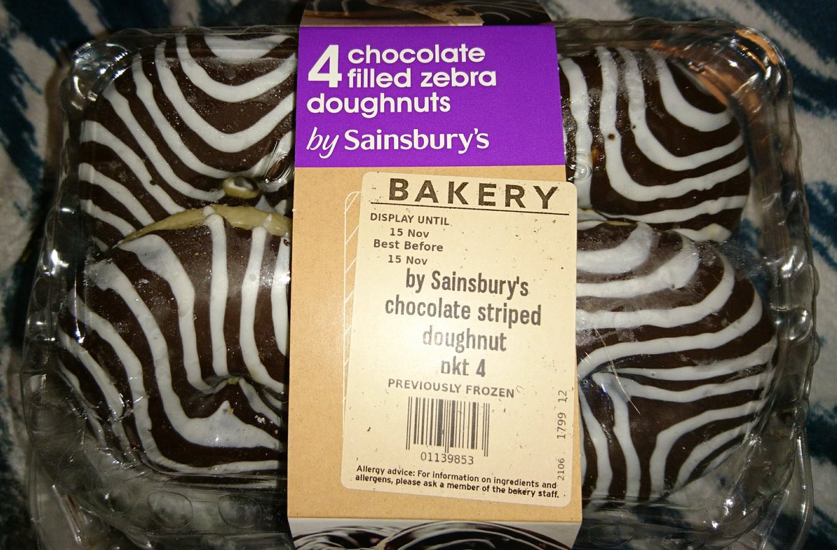 Calling all zebras, @sainsburys  have made doughnuts just for us. People with #EhlersDanlosSyndrome are medical zebras, therefore they are all ours. In fact anyone with a rare medical condition are zebras to!!   https://www. ehlers-danlos.org/about-us/chari ty-aims-and-focus/why-the-zebra/ &nbsp; … <br>http://pic.twitter.com/egj1IJUDrN