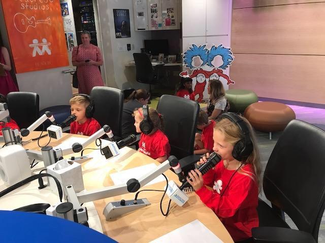 Thanks @blakeshelton for including the kids at #SeacrestStudios @VUMCchildren on your album #CheersItsChristmas! https://t.co/k5J3QWWxTM