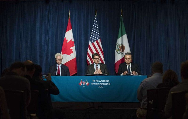 LET'S MAKE A DEAL! 'Does it make sense to sit down with our colleagues in Canada & Mexico to renegotiate a new North America Free Trade Agreement? Yes, I think it does'- Rick Perry on a NAFTA renegotiation https://t.co/T0AmZPgEBU