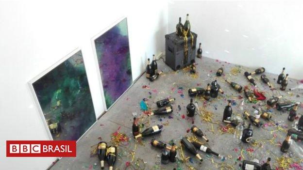 #ArquivoBBC Faxineira confunde obra de arte com sujeira pós-festa e 'faz limpeza' em museu https://t.co/Ob0ncnWcb4