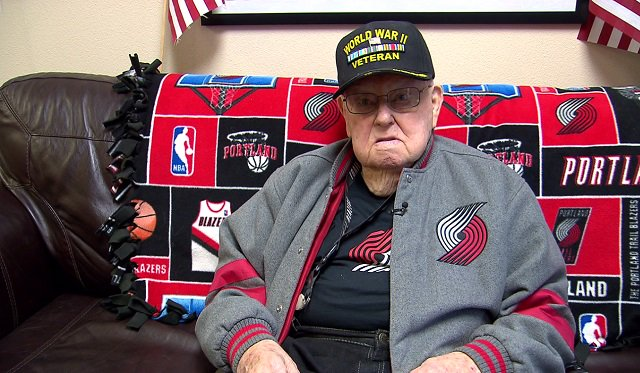 Elmer Ballard, 93, is a WWII veteran. He's also a huge fan of the  and , 'who can hit 3-pointers like crazy.' Before tonight's game, Ballard -- who never fails to watch a game -- will meet Lillard.   Story:  https://t.co/a3FQHim71m