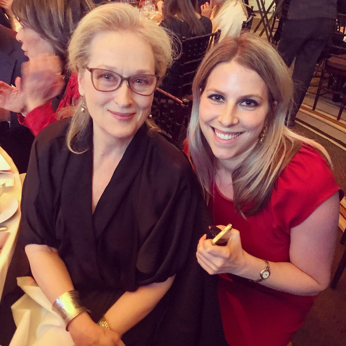 When you meet one of the greatest artists of all time, she&#39;s so genuinely kind, and she&#39;s a press freedom advocate too! #MerylStreep #IFPA @pressfreedom<br>http://pic.twitter.com/DAA6EgpHJq