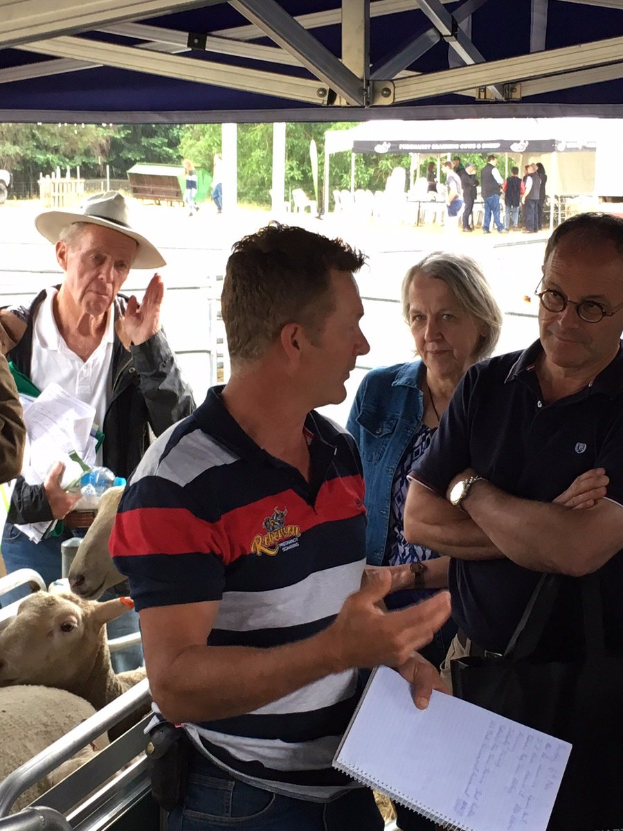 Brendan, from Roberson Preg Scanning - @ the #EID field day in Greta, VIC. Speaking about some of our software solutions. @VicGovAg #sheepeid #animalmanagement<br>http://pic.twitter.com/VuqIjsWgzB