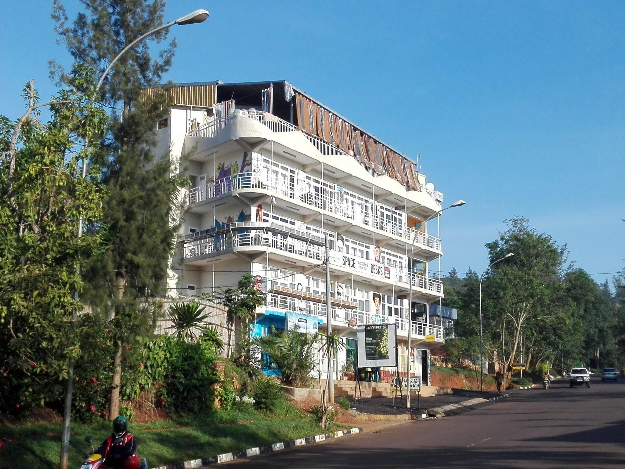 @impacthub Kigali wakes up to a beautiful morning after a most successful @gisday and #RwOT. @esrirwanda https://t.co/FEUgTAJkVt