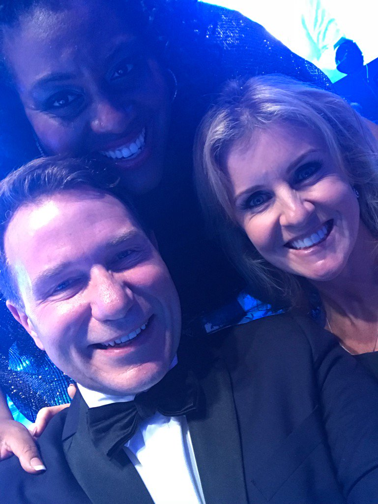 Selfie with the lovely @RichardAArnold and @AlisonHammond2 @groceryaid https://t.co/KlPcUEIjsz
