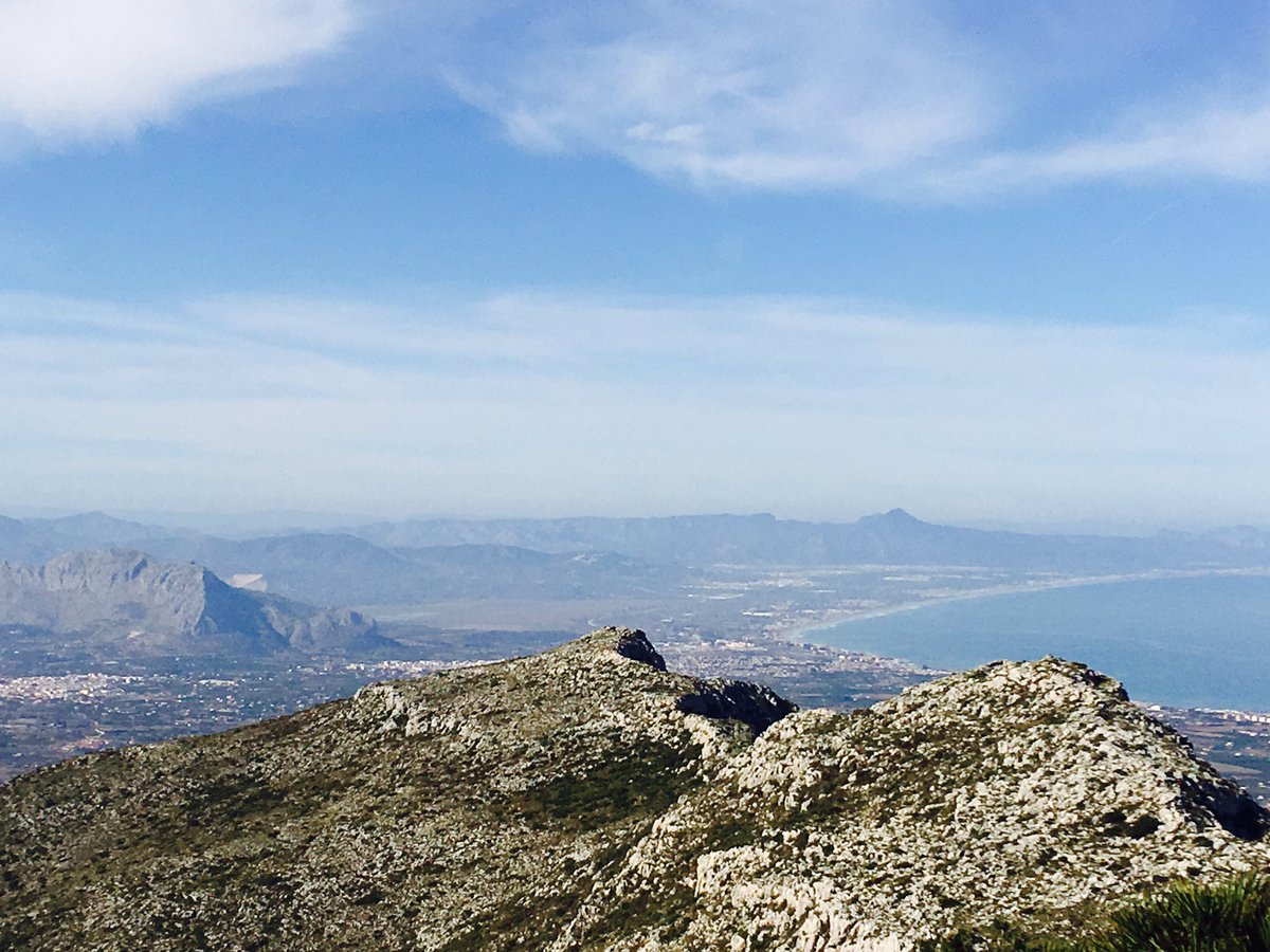 Top of #montgo in #Xabia felt like the top of the world yesterday. Breath taking views of Valencian coast. @Javeamigos @SpainBuddy @ThinkSpain<br>http://pic.twitter.com/IQ7CgJ9jL6