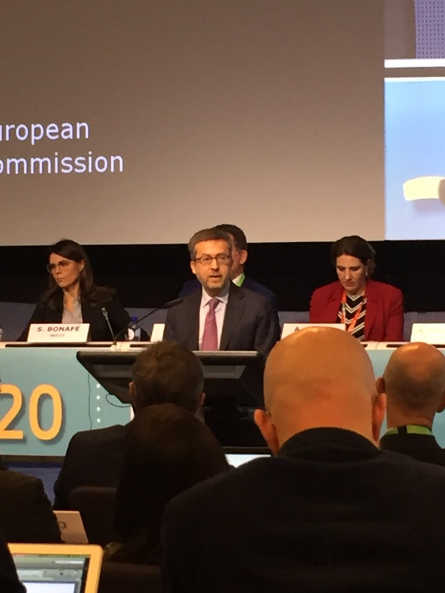 Private money needs stable and conducive policy to flow to the #Bioeconomy Obstacles and hurdles  must be overcome @Moedas #b <br>http://pic.twitter.com/30NilY0L4N