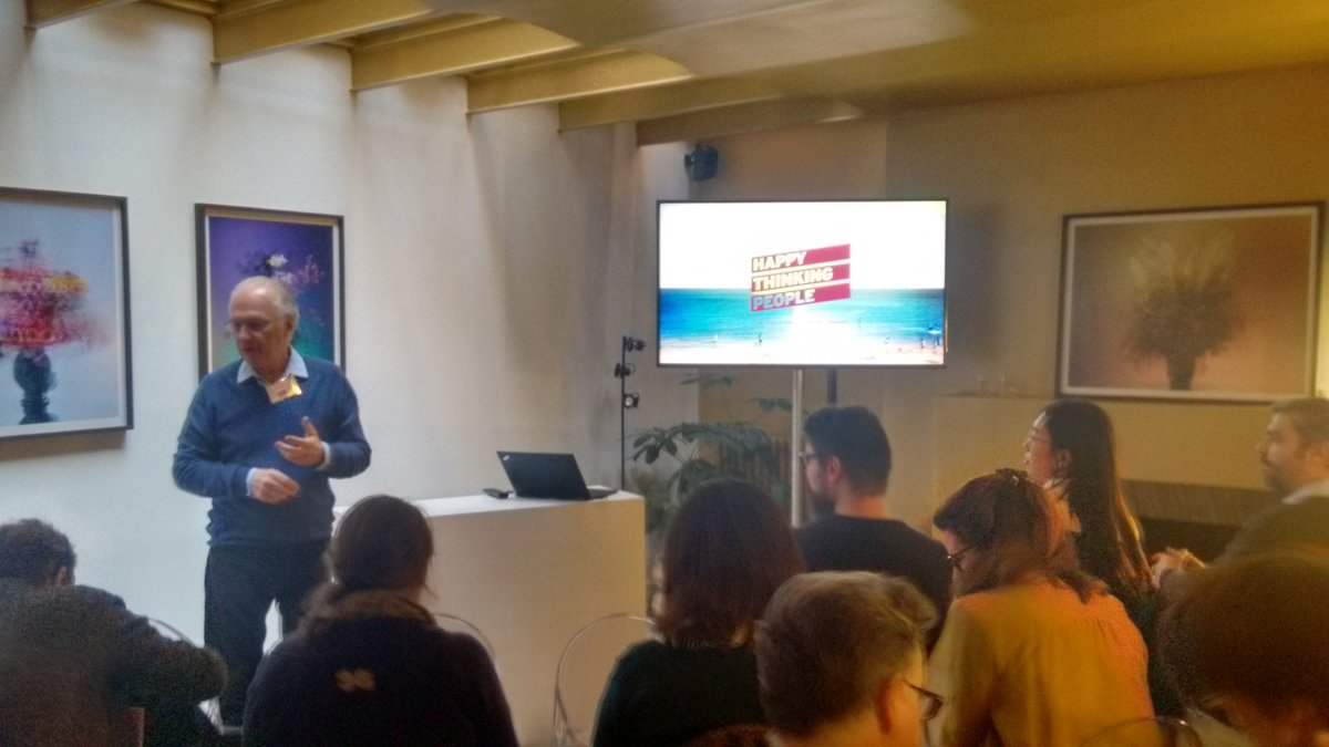 The HTP Paris boss kicking off our client event adopting social media language in mobile research - great buzz! #newmr <br>http://pic.twitter.com/Lp8t7nDAQ6