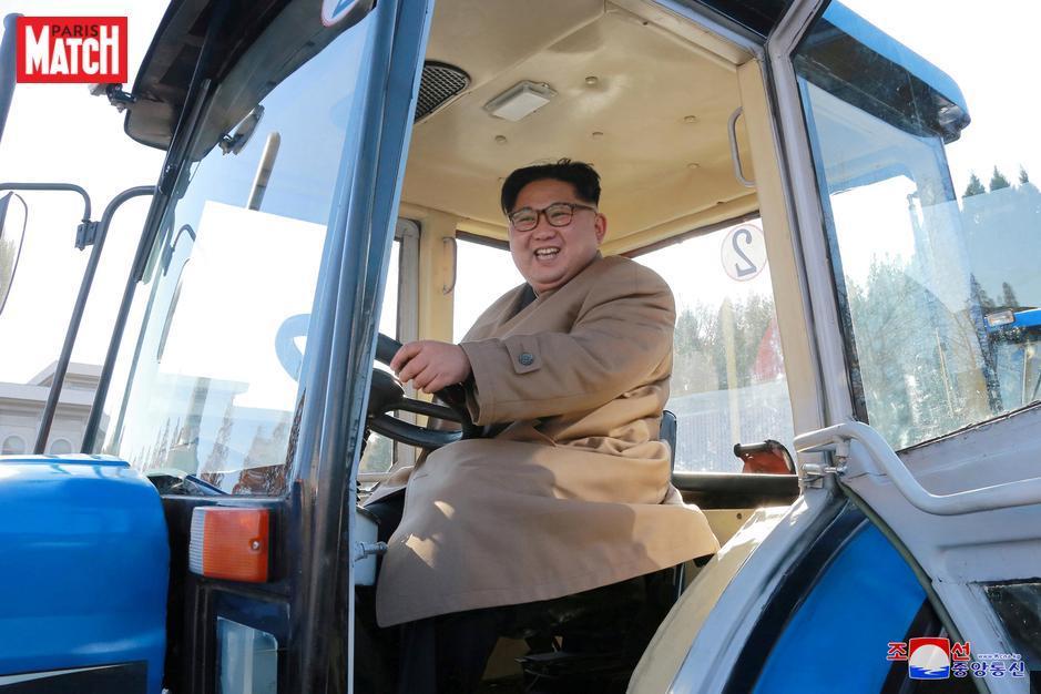 Sur un tracteur, Kim Jong-un poursuit ses visites à Pyongyang  https://t.co/sbv4z7V9B5