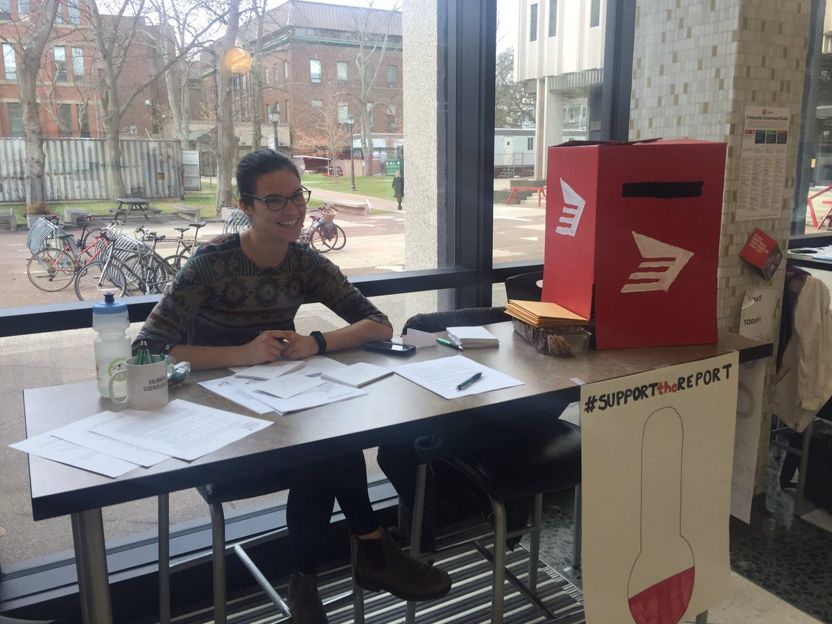 Great to see Dal students raising awareness about science funding and the need to #SupportTheReport. @AndyFillmoreHFX these student letters are coming your way!<br>http://pic.twitter.com/jM8gFUZKLH