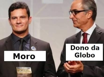 Alô @deltanmd !!! O douto procurador já se pronunciou sobre o #propinoGlobo ? Vai ficar quietinho ou vai pra cima da família Marinho? E Moro, super heroi de camisas pretas: o q tem a dizer em suas palestras sobre os amigos da Globo?