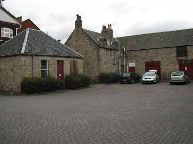 #CommercialProperty from @LoveWestLothian - Excellent redevelopment opportunity on Society Place, west #Calder. Comprised of two buildings, a one and half storey former Stables and a three storey red brick build. <br>http://pic.twitter.com/5Y4Pa0Tab0
