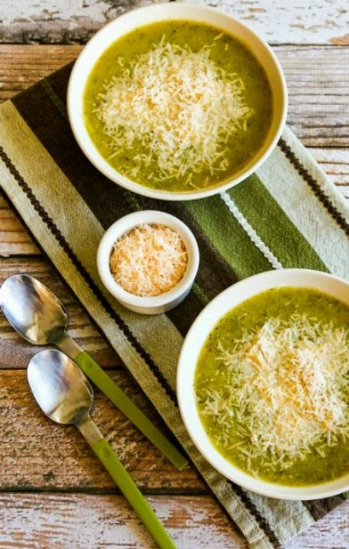 Pressure Cooker #Zucchini and Yellow Squash Soup with Rosemary and Parmesan {#lowcarb, #keto  gluten-free} - via Kalyn&#39;s Kitchen  Recipe:  https:// kalynskitchen.com/recipe-for-zuc chini-and-yellow-squash/ &nbsp; … <br>http://pic.twitter.com/YPSBWYSGzI