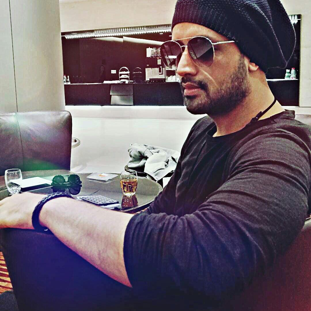 Qatar so good to see you after 7 years, here I am - so excited to see you all  Those who can&#39;t make it to the gig can Catch me live on facebook at the sound check tomorrow  #doha  #concert #atifaslam   #Repost @itsaadee  #Instagram #Post  #Aadeez   #NewProfilePic<br>http://pic.twitter.com/Pgfzs9SYcv