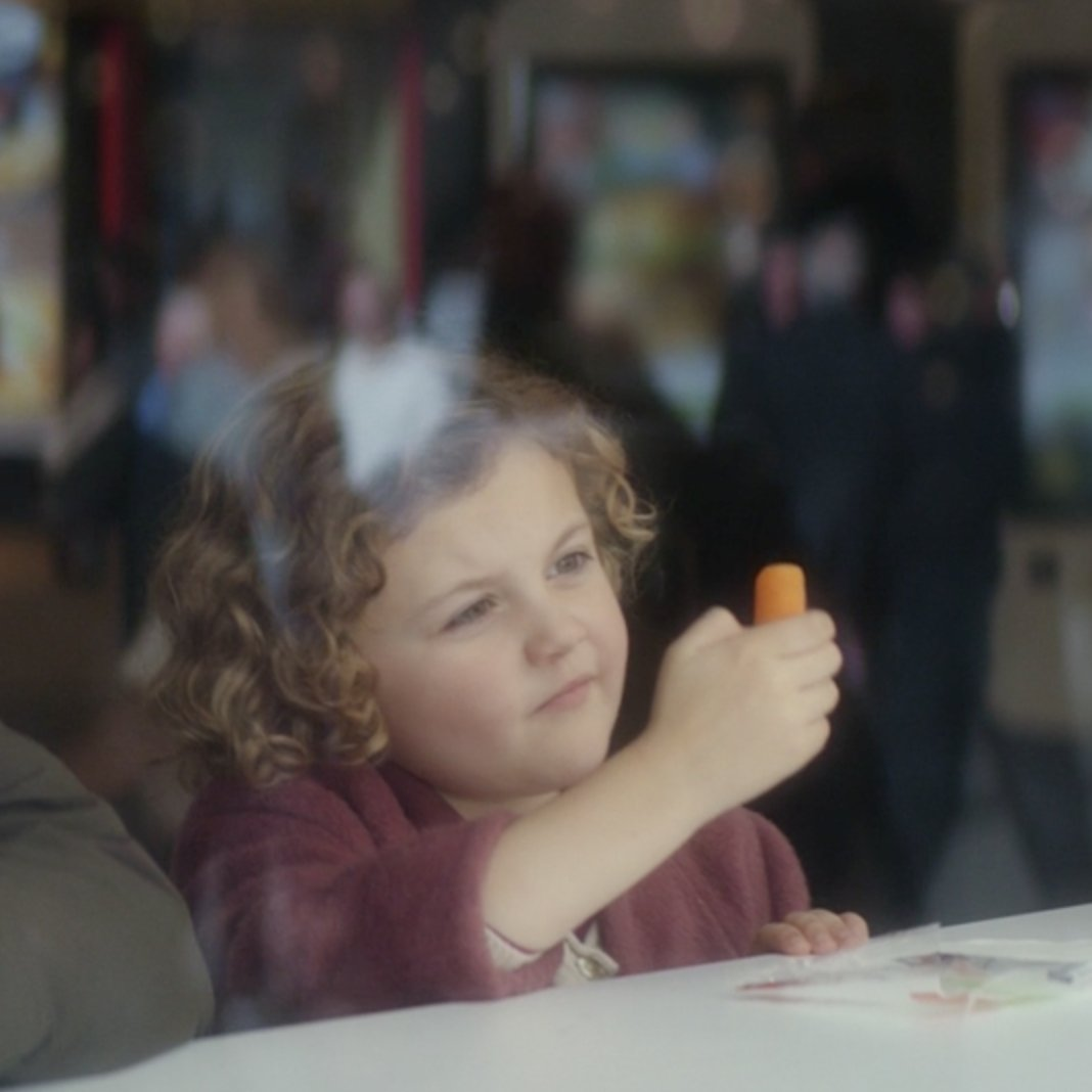 RT @McDonaldsUK: Our Christmas ad is here! Are you #ReindeerReady? https://t.co/qeejMZFB1p