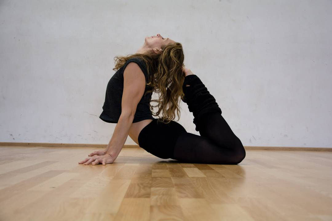 What a flexibility! #moveyourspove #spove #sport #flexibility #stretch #stretching #yoga #yogapose #hamburg #dance #dancer #floorwork #motivation #success #cgn #germany<br>http://pic.twitter.com/qUbeWElImx