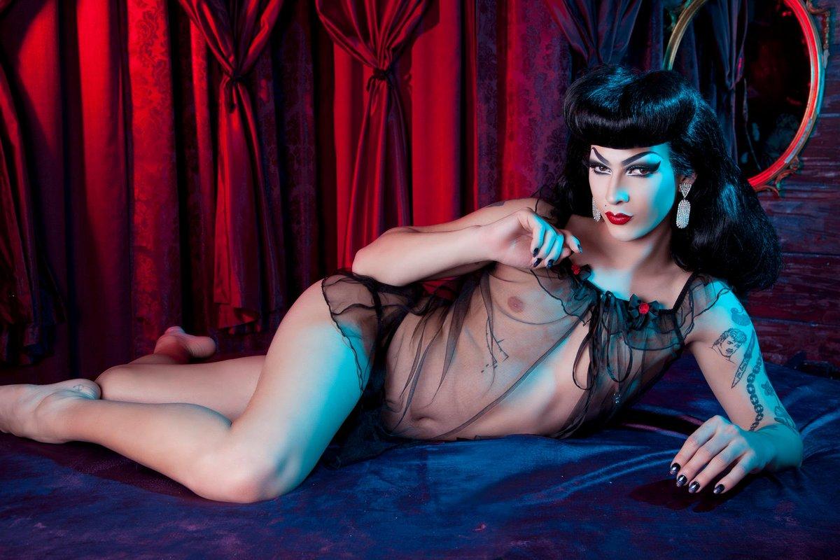 Sexy Drag Queens Porn