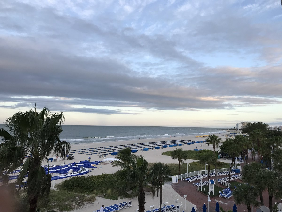 This beautiful beach and Florida destination is always a hit. #ad #LiveAmplified #VisitFL https://t.co/ln7o0ynyDO https://t.co/GQzVczZGVF
