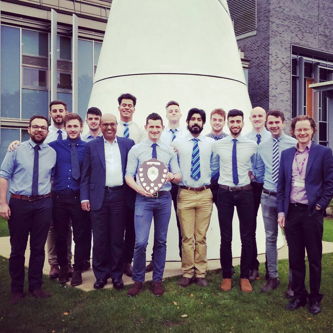 Photo with the Dean &amp; Head of Medical Education, following last years West Midlands League win #WMSFC #Champions  https:// warwick.ac.uk/fac/med/news/n ews/wms_mens_football/ &nbsp; …  <br>http://pic.twitter.com/R7KlIvI8Rn