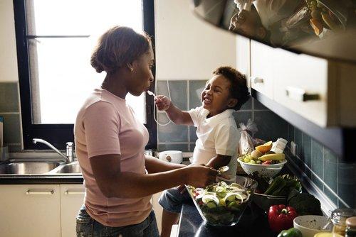 .@minsaude prepara novo guia alimentar p/ crianças menores de 2 anos. E você pode participar! https://t.co/Obfmf6TsNd 🍉🍍