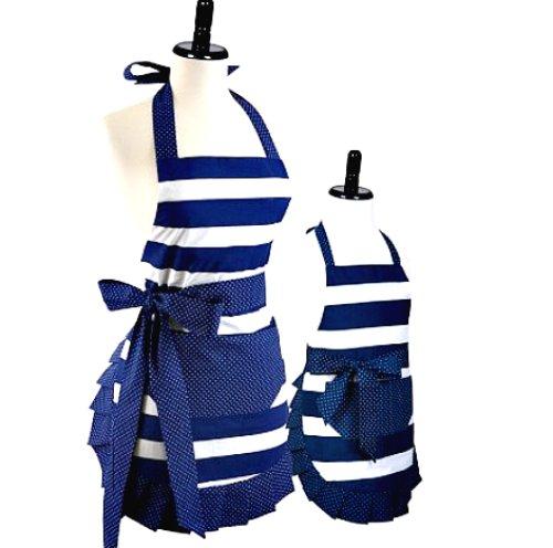 Precious mother / daughter aprons #affiliate &gt;&gt; http:// shrsl.com/n1tn  &nbsp;   Get them both bundled $39.95 SALE! #moms #fashion #gifts<br>http://pic.twitter.com/tC1DxPTfFF