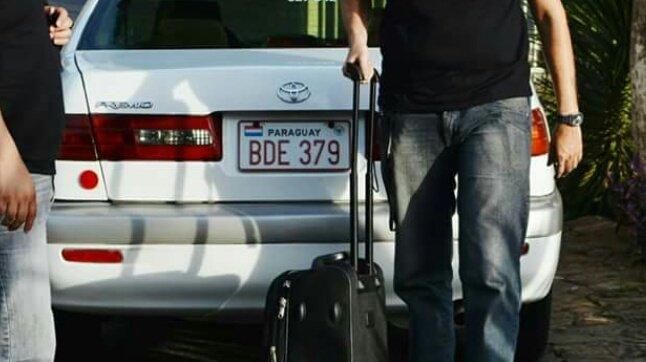 Me robaron el auto. I know, good for me. RT please. Toyota Corona Premio 99 con chapa BDE 379. Grax in advance. https://t.co/c15hu8Nczl