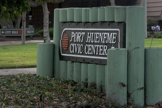 #PortHueneme is embracing its new &quot;Pot Hueneme&quot; nickname, says City Manager Butler. City has approved 2 medical #marijuana dispensaries, w. 2-3 more moving through approval process. Most of City Council believes #cannabis businesses &quot;good thing for city in long run.&quot; #PotHueneme<br>http://pic.twitter.com/9vFJiMusrp