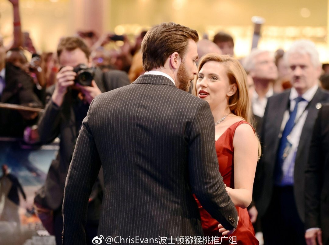"Scarlett Johansson Twitter: Chris Evans News On Twitter: ""#Throwback Chris Evans And"