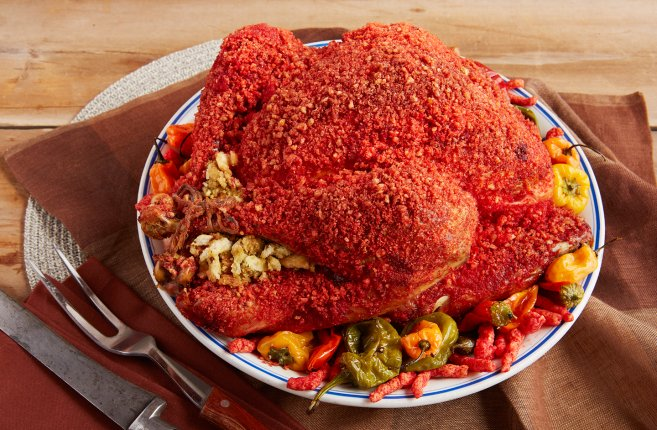 The Flamin' Hot Cheetos turkey is here to spice up Thanksgiving 🔥🔥🔥 https://t.co/jjcDipMO3r