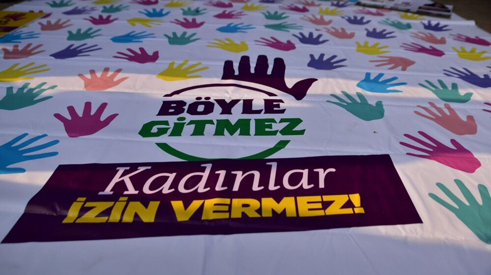 RT @HDPkadin: Anayasa Mahkemesi, Saray'ın vesayeti altındadır. #AYMninDeğilSarayınKararı https://t.co/XRwK8emcvA