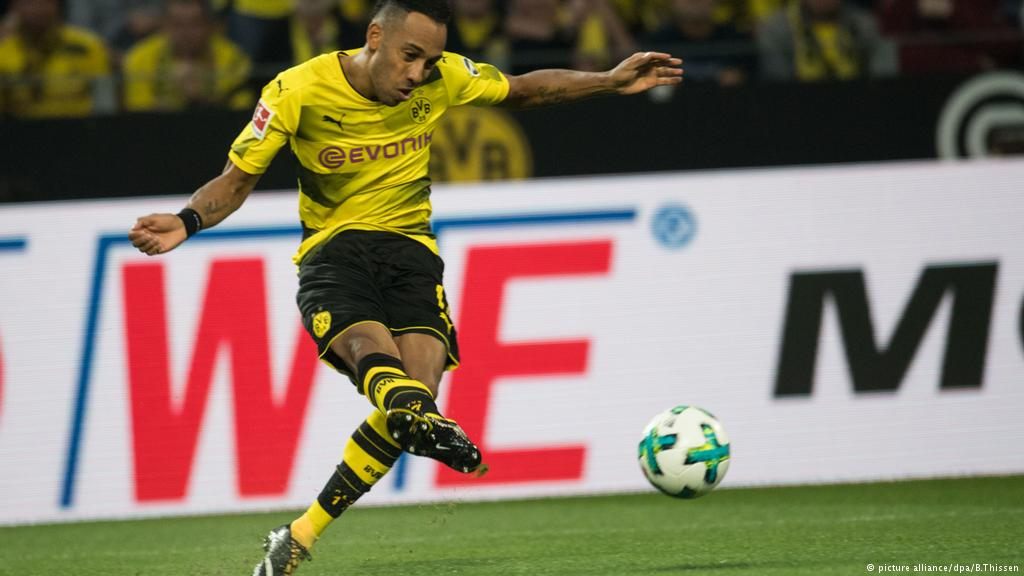 Here&#39;s what we know so far on the #Aubameyang story -  http:// dw.com/p/2nlqA  &nbsp;  <br>http://pic.twitter.com/lJ8Fhx0DwG