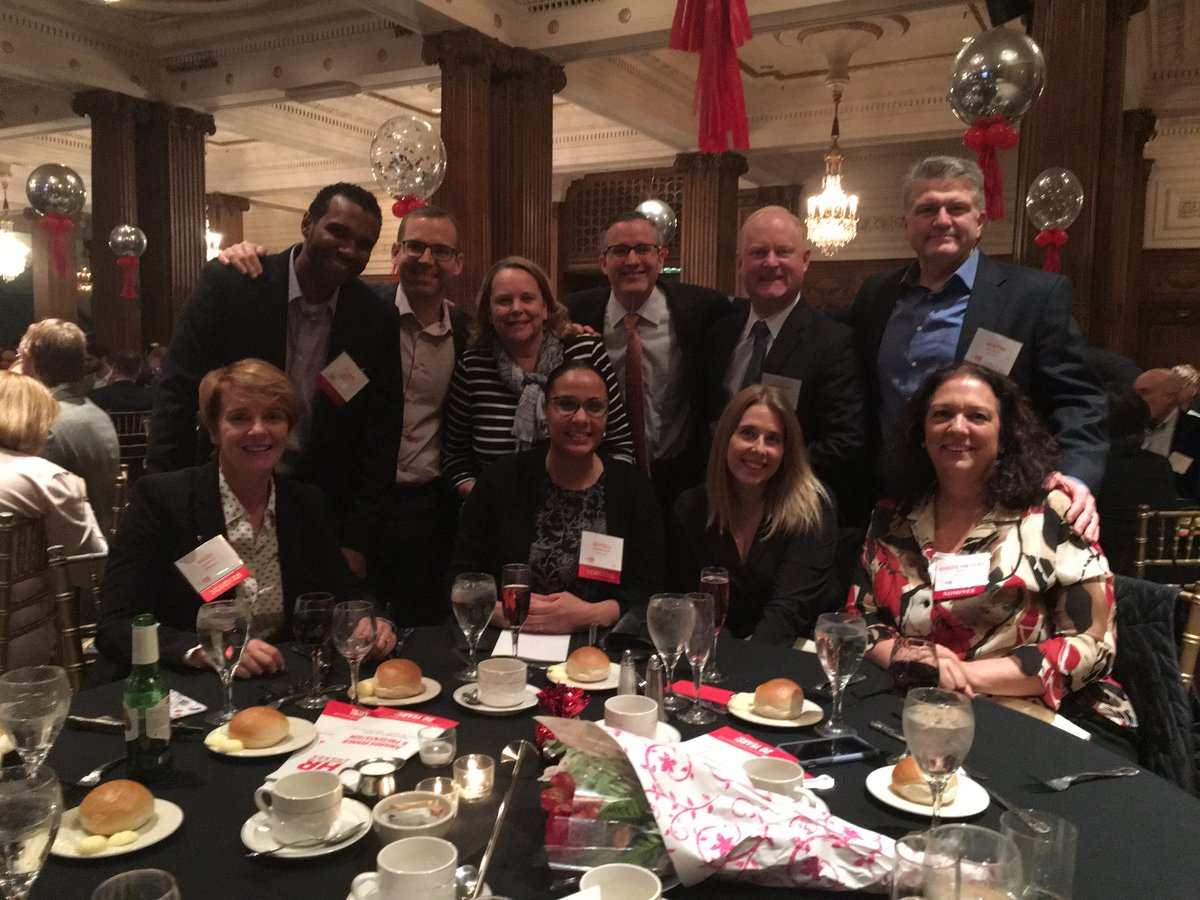 An honor to Run w/ my @SAP NA #HR colleagues @ the HR Dept of the Year Awards dinner! Reppin' for our 21.5k NA employees #futureofwork<br>http://pic.twitter.com/hyVlIqUcLe
