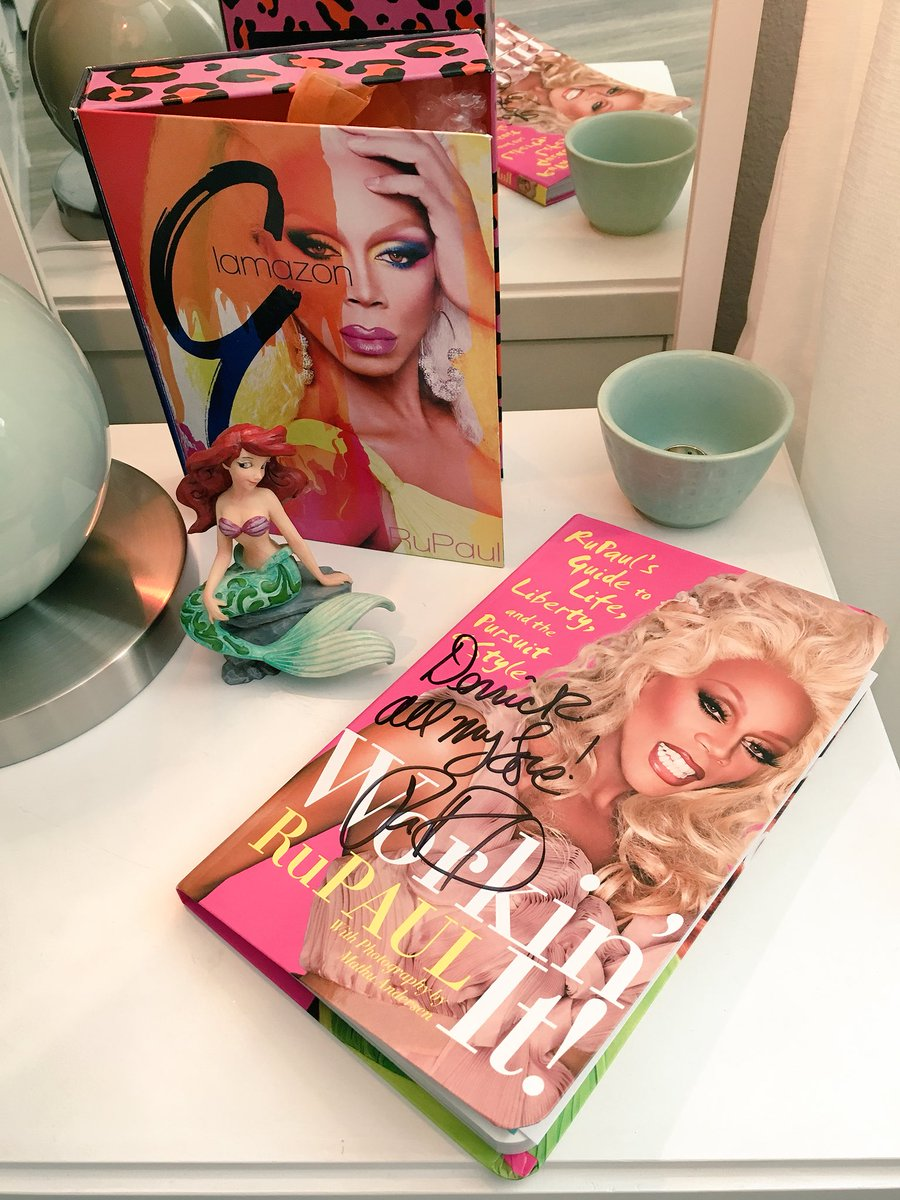 Mama @RuPaul always watches over me in my walk in closet. This book is a cherished gift on the Top 5 episode of @RuPaulsDragRace #Season8 #BookBall. Happy Early Birthday #RuPaul! (11/17) #Glamazon #WorkinIt #HeyDerrick<br>http://pic.twitter.com/7RpdTlfvCs