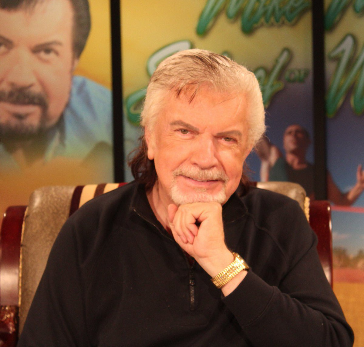The 73-year old son of father (?) and mother(?) Mike Murdock in 2020 photo. Mike Murdock earned a 0.2 million dollar salary - leaving the net worth at  million in 2020