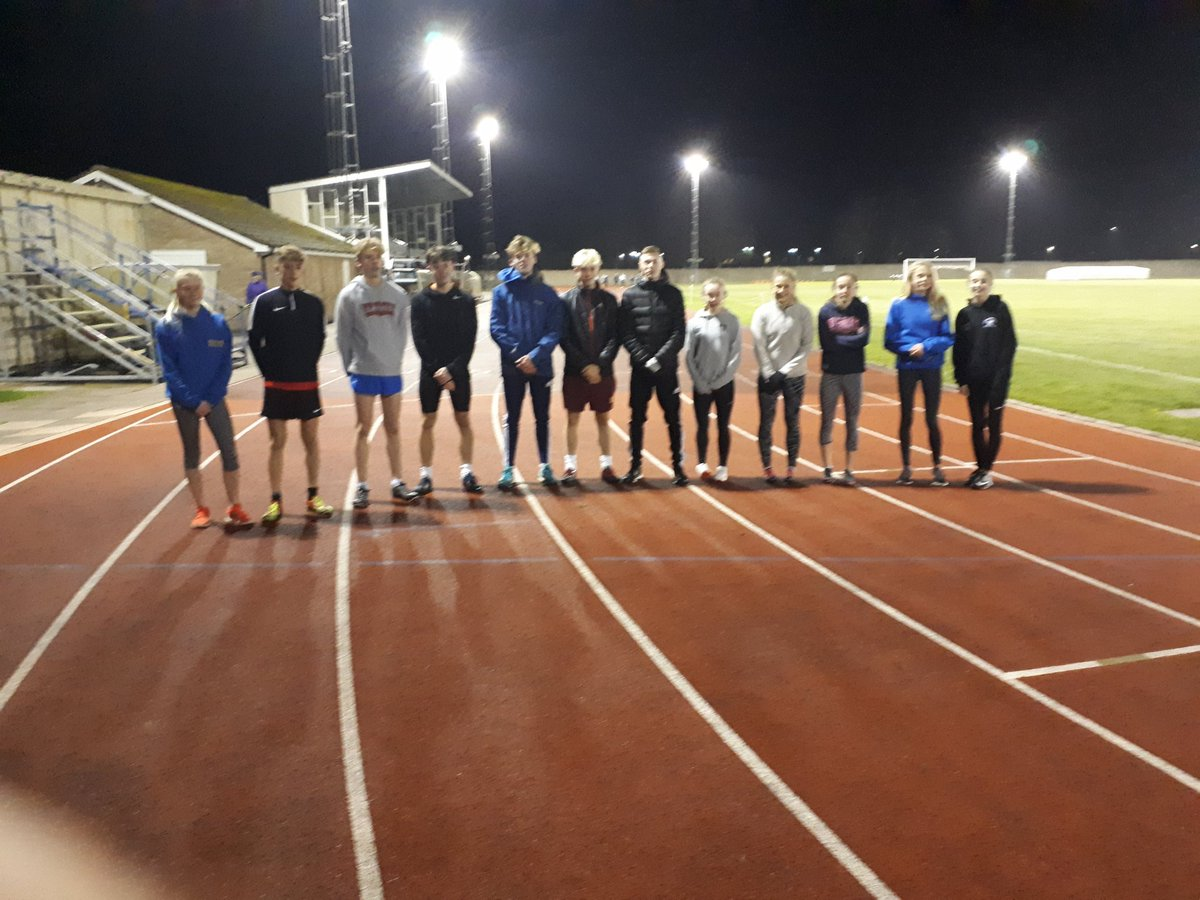 @BridgnorthAC Despite  the cold a good turn out tonight.#Bac <br>http://pic.twitter.com/tyqUilSxuE