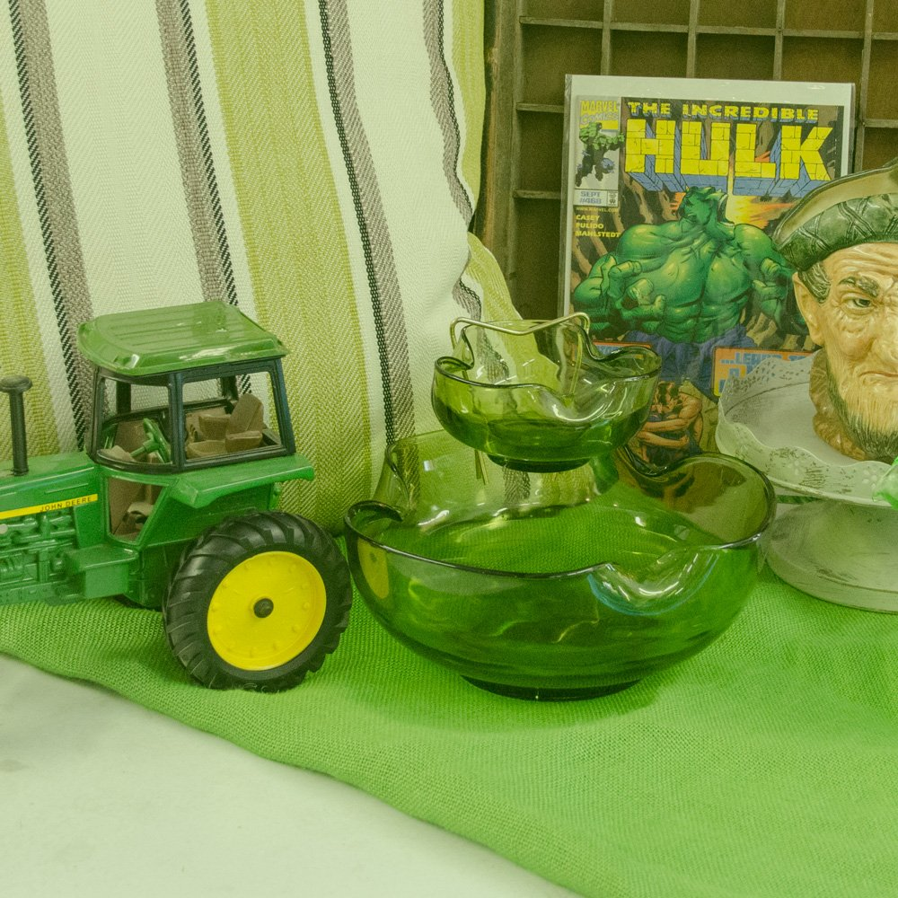 Be in the green when you shop with Lillifrog! #getfrogged #whatthefrog #shopvintage #barrie #thinkgreen #begreen<br>http://pic.twitter.com/9o6Qq5iMJW