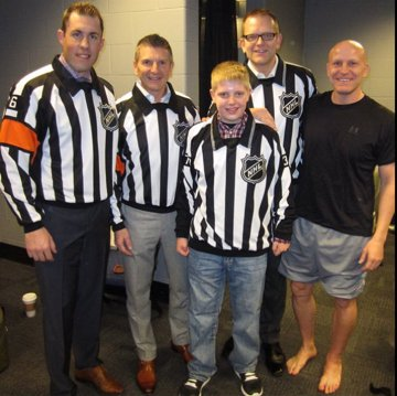 "There's still two weeks left to nominate a @usahockey #Official for #HWAA ""Meet the NHL Officials""  http://www. usahockey.com/hockeyweekend  &nbsp;   #referee <br>http://pic.twitter.com/dNLP425laV"