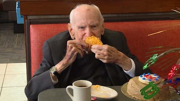 What's the secret to living to 100? For this veteran, it's Skyline Chili https://t.co/x1AEpRgx1K