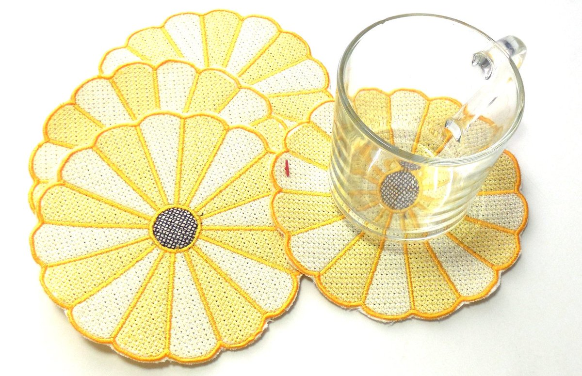 Fabric Coasters Embroidered Dresden Plate Coasters Yellow Dresden Pla…  http:// tuppu.net/8b899230  &nbsp;   #epiconetsy #etsymntt<br>http://pic.twitter.com/g1950qBf3c