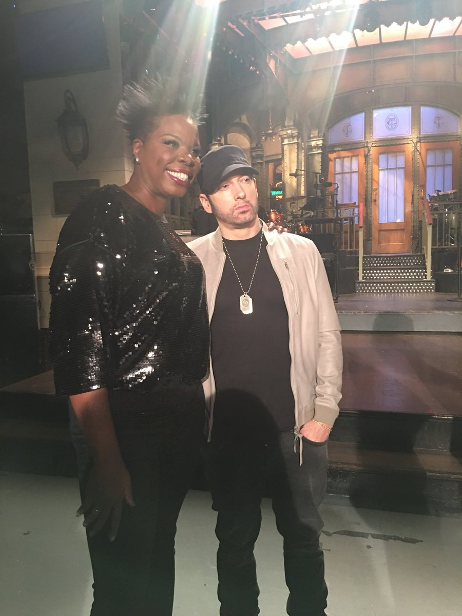 338d42540686be  Eminem y all know I totally fan girled out I know he think I m a geek lol  but I could not help it!! Omg!! This week is gonna be so pumped!!pic.twitter.com   ...