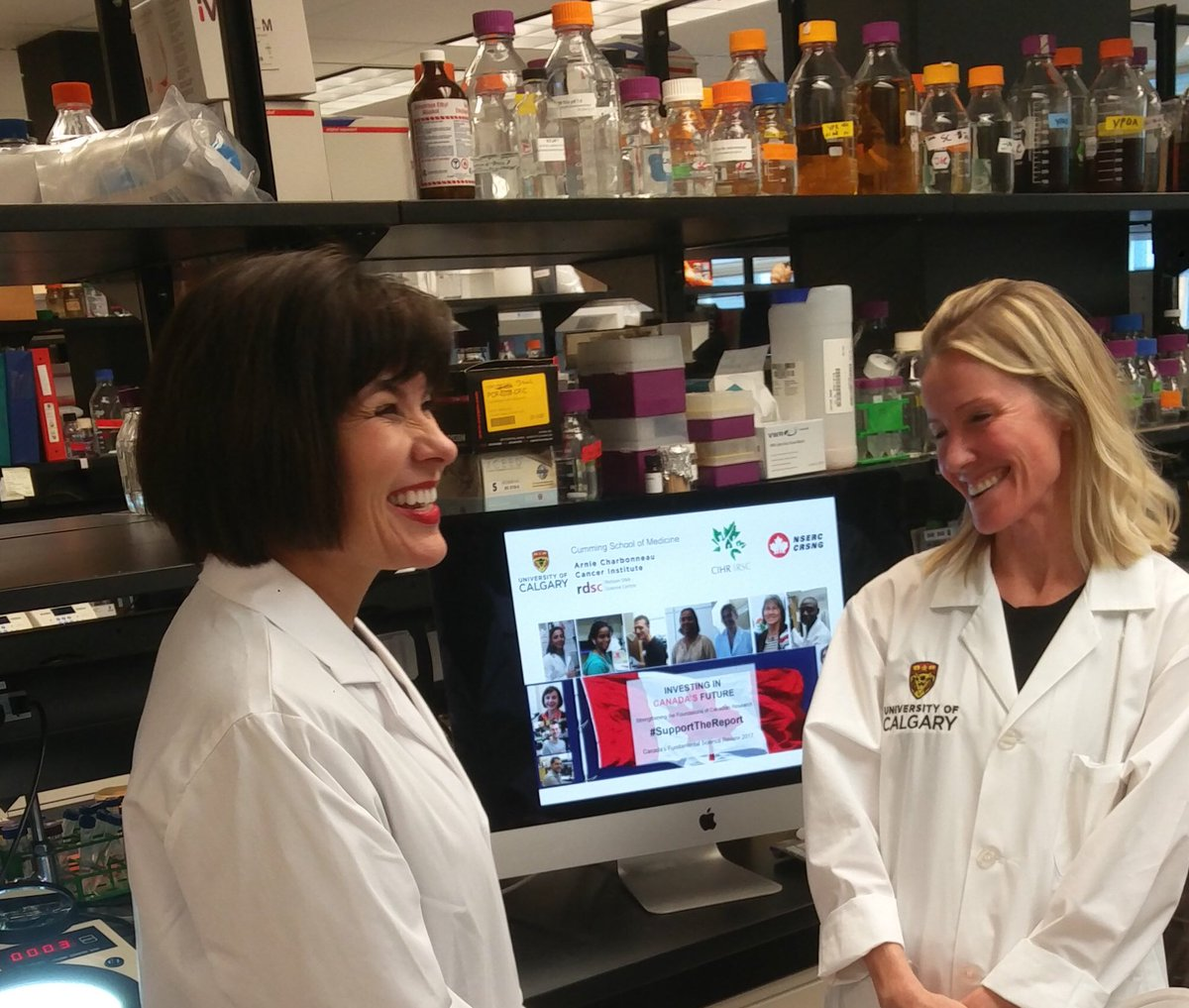 Health Minister Taylor visited my YEAST lab today at U of Calgary! We talked on the importance of Fundamental Science. #supportthereport <br>http://pic.twitter.com/Af6aldH4tN