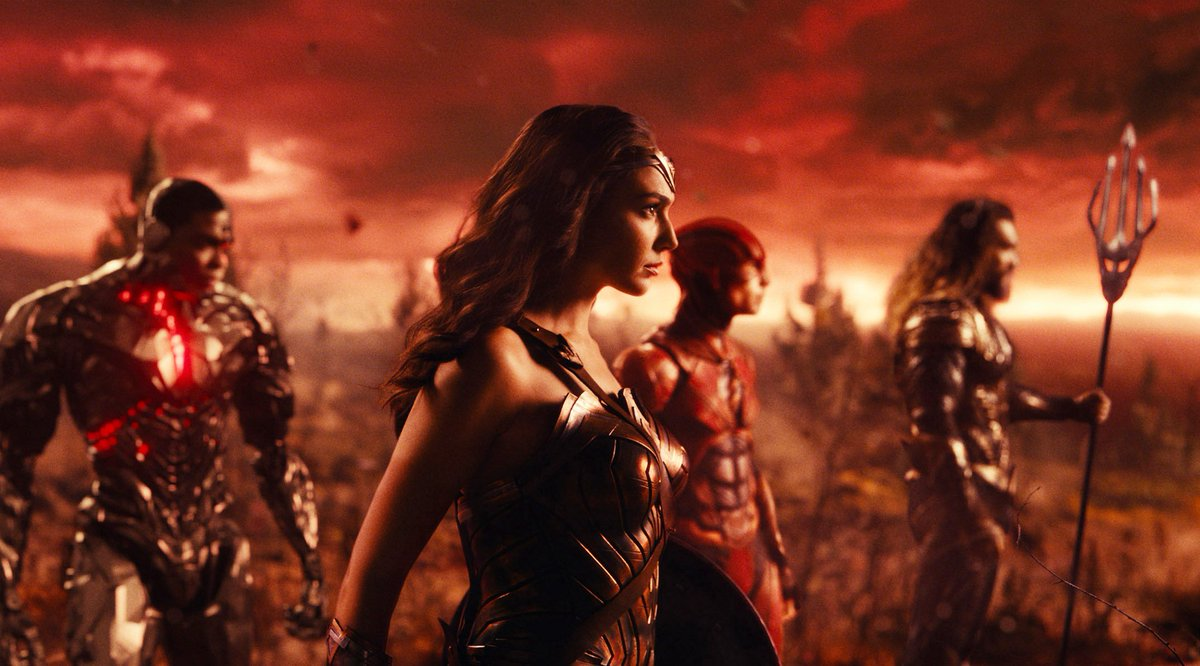 #JusticeLeague is currently #Rotten at 37% on the #Tomatometer, with 172 reviews: https://t.co/dRarP92Iyr