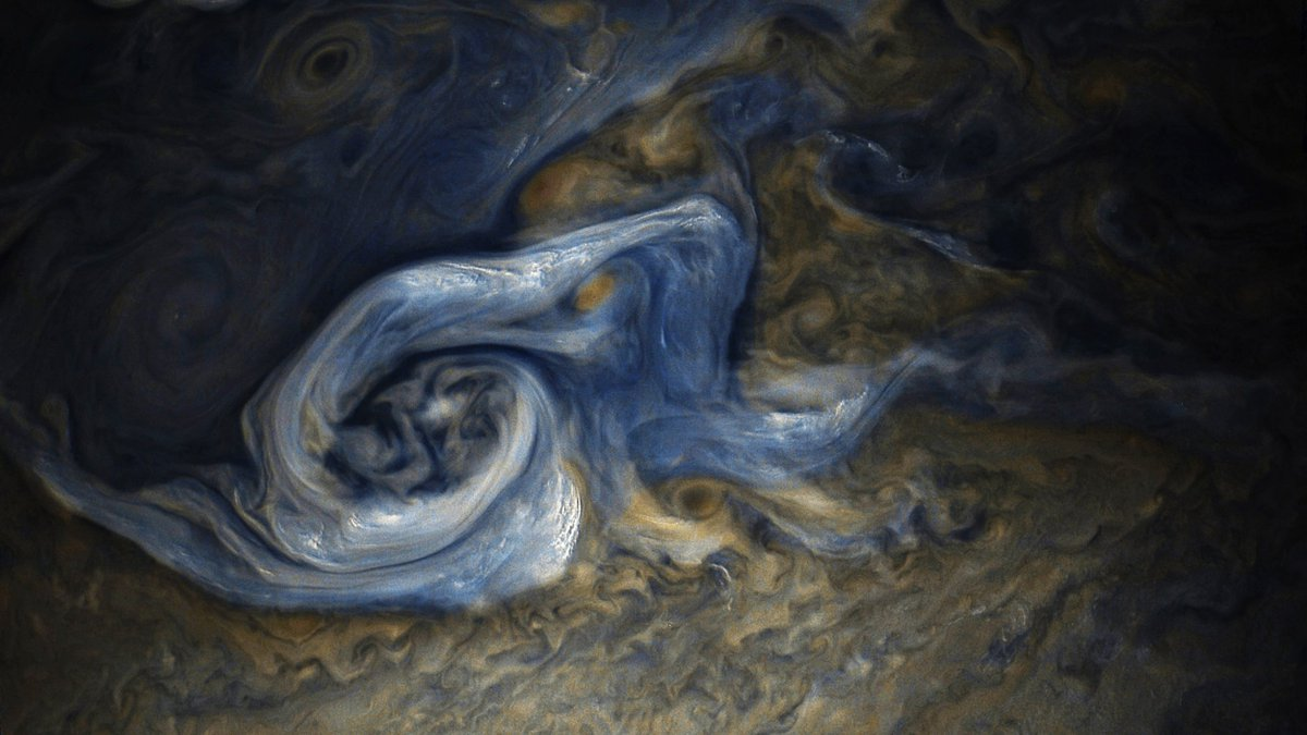 O Brave New World! New @NASAJuno image shows a tempest in #Jupiter's atmosphere. Bright clouds may be updrafts of ammonia ice crystals swirling with water ice. https://t.co/Yt8mPklQ9R