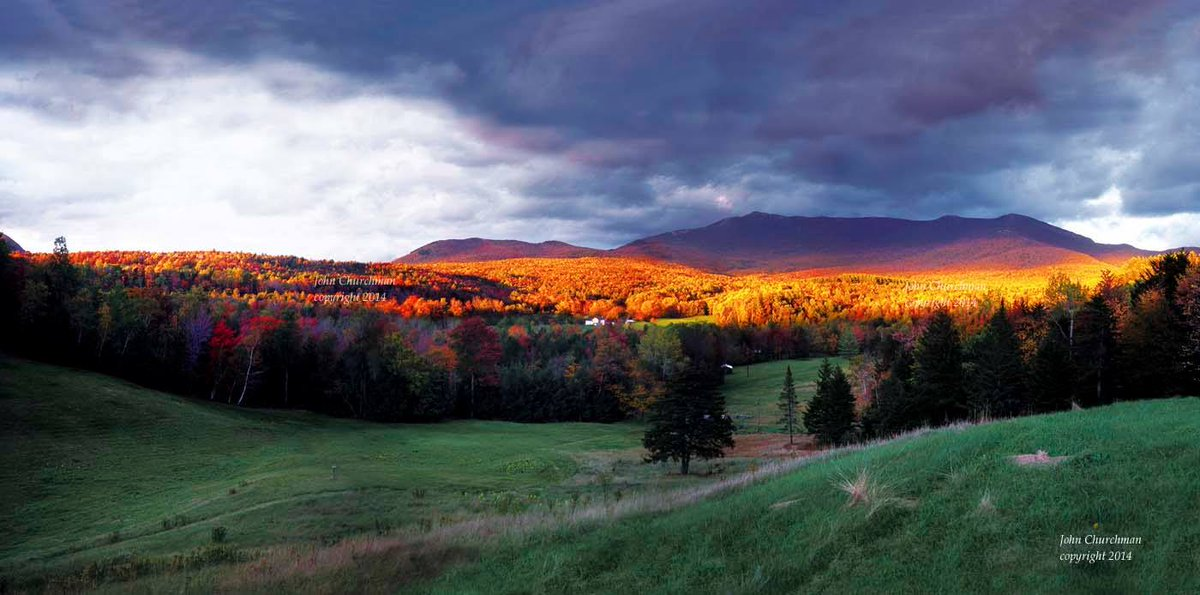#Vermont is for artists. There is inspiration to be found everywhere. This spectacular shot is taken by the talented John Churchman @JCChurchman known for his famed Sweat Pea and friends books.<br>http://pic.twitter.com/YPn8Pjvcrs